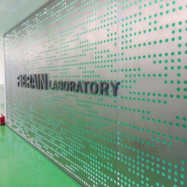 Ściana perforacja Fibrain logo