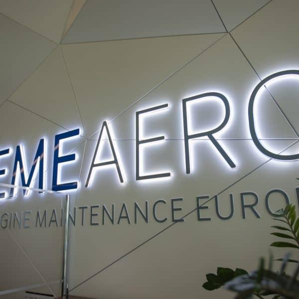 Litery z efektem echo EME Aero